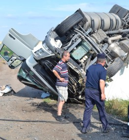 accident tir combinat slobozia - 02