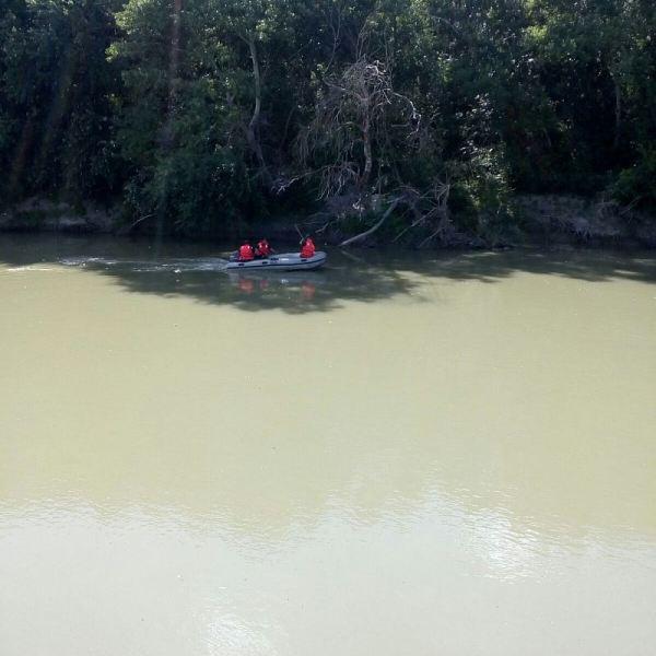 Copil dispărut în apele râului Ialomița. În această dimineață au fost reluate căutarile