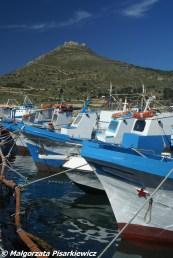 Favignana, widok z portu na Monte Santa Caterina
