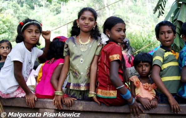 Dzieciaki w Demodara