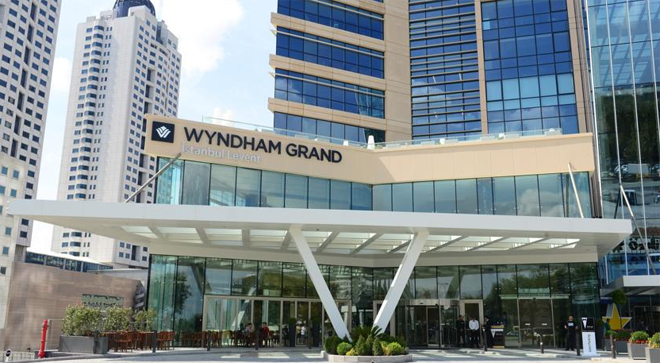 candan-ercetin-yilbasi-program-wyndham-grand