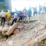 Willie Obiano Visits Collapsed Building In Onitsha