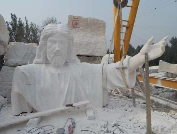 jesus-statue.jpg4