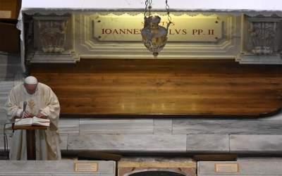 Papa Francisco | San Juan Pablo II un Pastor que dejó huellas de oración, cercanía a la gente, amor a la justicia