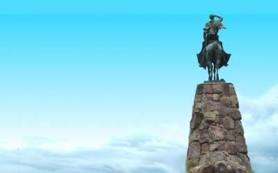 Mons. Olivera   Recordar al Gral. Martín Miguel de Güemes es alegrarnos por las raíces que tenemos, por la historia que poseemos en nuestra Patria