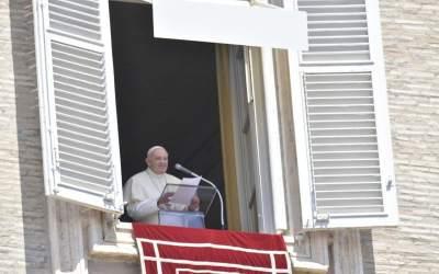 Papa Francisco | La fe grande es aquella que lleva la propia historia a los pies del Señor pidiéndole que la sane, que le dé sentido