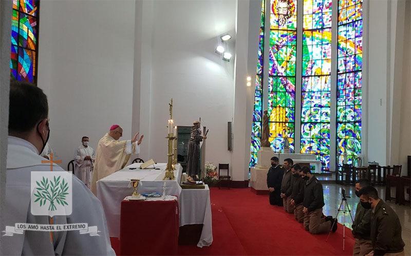 Mons. Olivera instituyó a nuevos Ministros Extraordinarios de la Sagrada Comunión,quienes integran la nueva Campaña Antártica 2020/2021