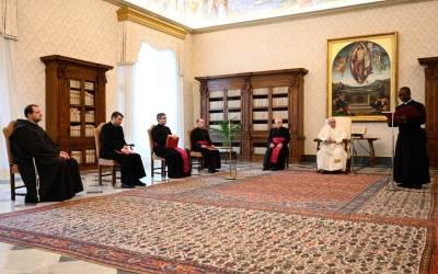 Papa Francisco | La oración nos ayuda a encontrar la dimensión adecuada, en la relación con Dios, nuestro Padre, y con toda la creación