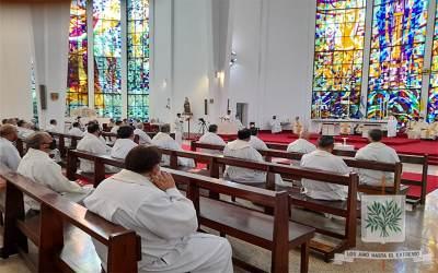 En el primer jueves del mes, rezamos por las Vocaciones sacerdotales