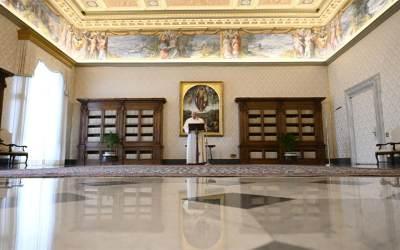 Papa Francisco   Sembremos semillas de amor no con palabras que vuelan, sino con ejemplos concretos, sencillos y valientes, no con condenas teóricas, sino con gestos de amor