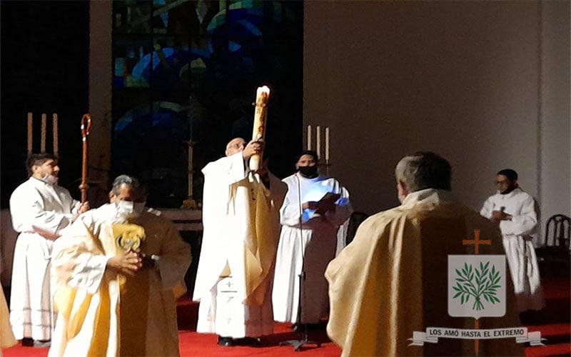 Mons. Olivera   Celebrar la Pascua, es volver a creer que Dios irrumpe y no deja de irrumpir en nuestras historias de vida