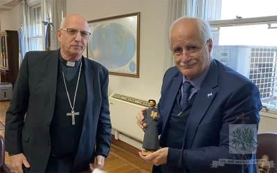 CABA   En audiencia privada, el Obispo Castrense de Argentina fue recibido por el Sr. Ministro de Defensa