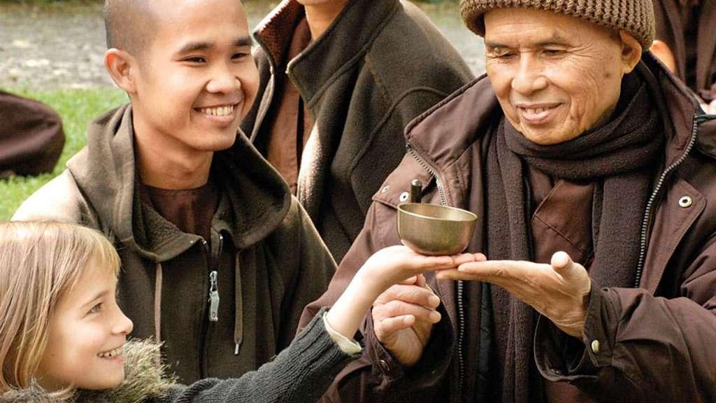 Thich Nhat Hanh accueillir ses émotions douloureuses
