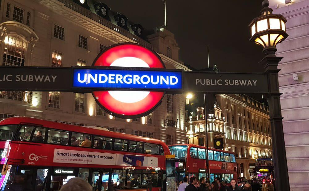 Metro Londres Picadilly