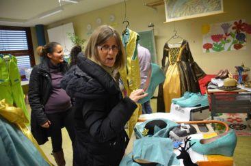 Mme Amiguet aurait bien volé la chaussure de Yasmina tellment elle la trouvait jolie !