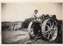 Dépiquage tracteur de Baleyssagues