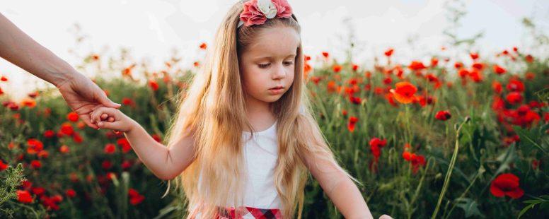 4 étapes pour accompagner les émotions fortes de l'enfant (selon Isabelle Filliozat)