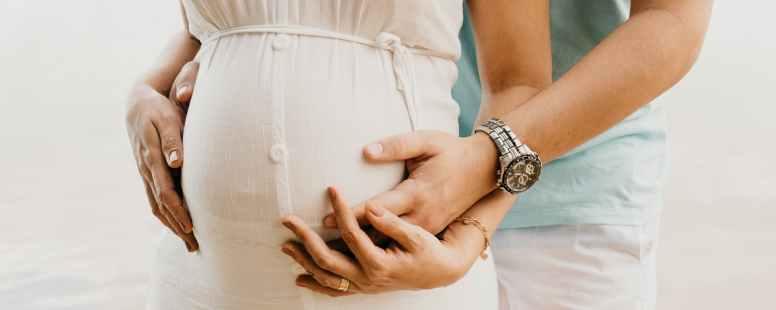 La sophrologie durant la grossesse : pour préparer sereinement la naissance