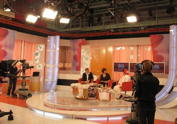 O Babičnim kolačima u Dubrom jutru, Hrvatska na HTV-U: Božica Brkan, Karmela Vukov Colić i Manda Kogaj (Snimila Renata Ivanović)