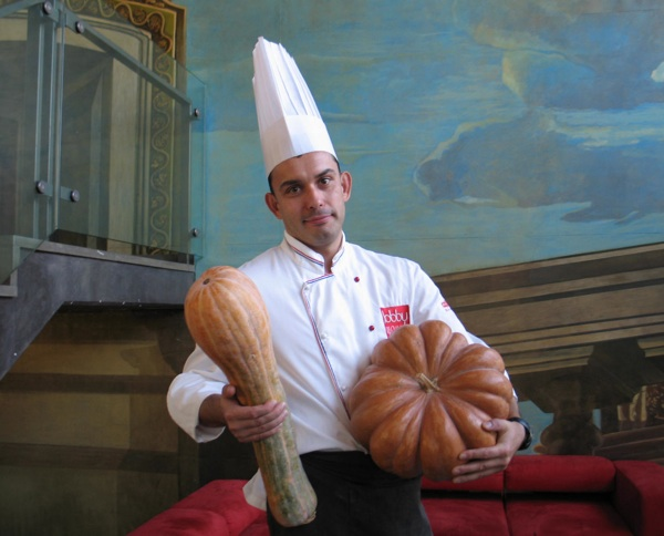 Chef Robert Slezak s bučama  u restoranu Lobby (Snimila Božice Brkan / Acumen)