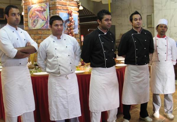 Međunarodna Lekina kuharska ekipa (slijeva nadesno): Hardeep Singh Brar, Dependra Khadka, Lokesh Kumar Jadow, Deepak Giri Goswami i Chandan Chari (Snimila Božica Brkan / Acumen)