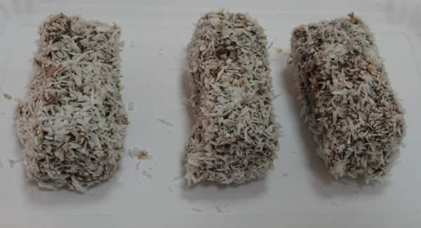 S kokosom, kokos kocke ili čupavci (Snimila Božica Brkan / Acumen)