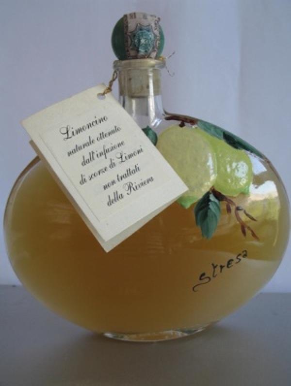 Limoncello kao ukusan izvorni talijanskin suvenir iz Strese na Laggo Maggiore (Snimila Božica Brkan)