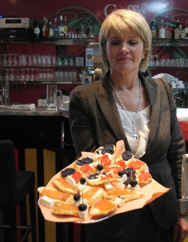Ženska strana Vinarije Miklaužić: educirati potrošače što sve mogu piti uz njihove pjenušce (Snimio Miljenko Brezak / Acumen)