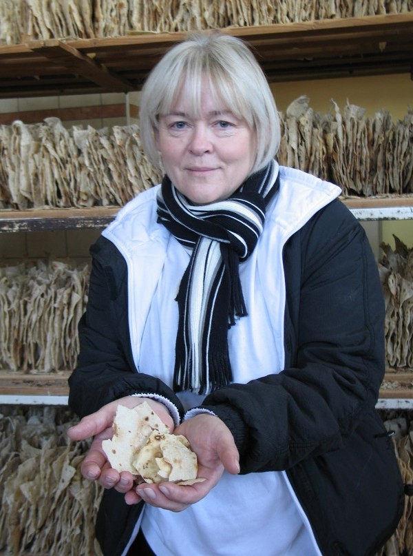 Gospođa Gorički s jedinstvenom pozadinom od mirisnih, taman pečenih mlinaca (Snimila Božica Brkan / Acumen)