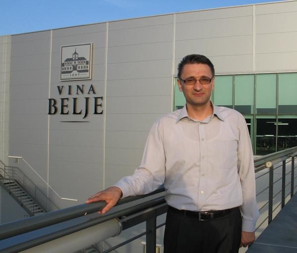 Ulaganje u tehnologiju i ljude: Marijan Knežević pred novom vinarijom (Snimila Božica Brkan / Acumen)