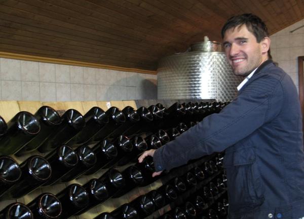 Miklaužić Junior također pomaže u dozrijevanju pjenušca (Snimila Božica Brkan / Acumen)