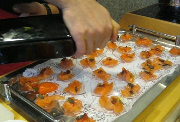 Gastroradionica Oblizeka: primjer globalizirane Slezakove kuhinja s lososom i bučinim uljem (Snimila Božica Brkan / Acumen)