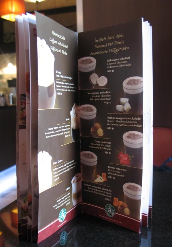 Maštovita karta izx budimpeštanskoga kafea (Snimila Božica Brkan / Acumen)