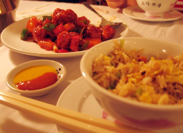 Hong Kong, 2008.: kiselo-slatka svinjetina (Snimio Ivan Brezak Brkan / Oblizeki)