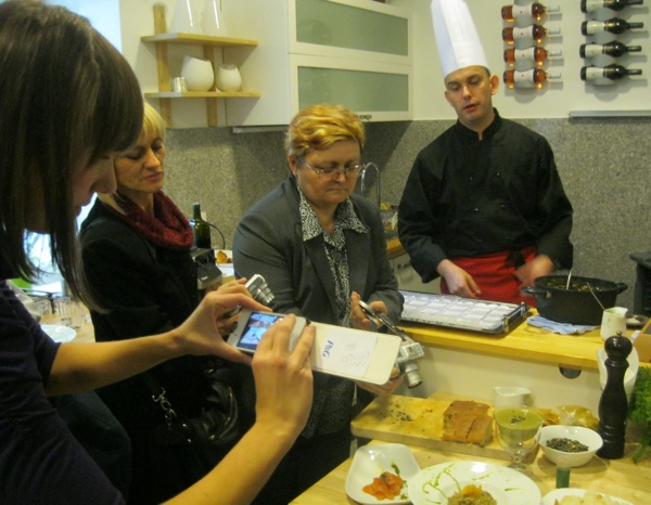 S radionice o bučinu ulju, koju su organizirali i Oblizeki (Snimio Miljenko Brezak / Oblizeki)