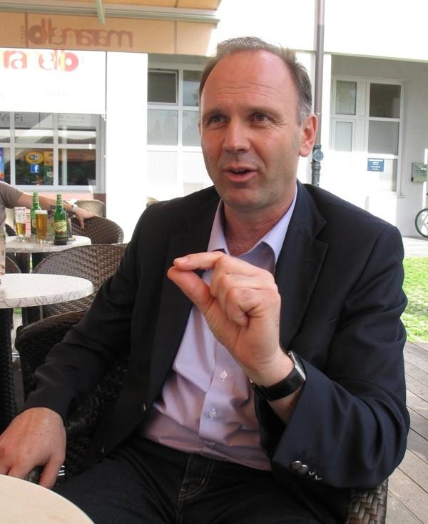 Prof. dr. sc. Mladen Boban (Snimila Božica brkan / Oblizeki)