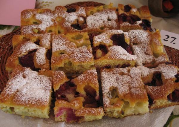 Ekonomičan kolač koji može ispeći svatko, ali na svoj način, samo promjenom voća  (Snimio Miljenko Brezak / Oblizeki)