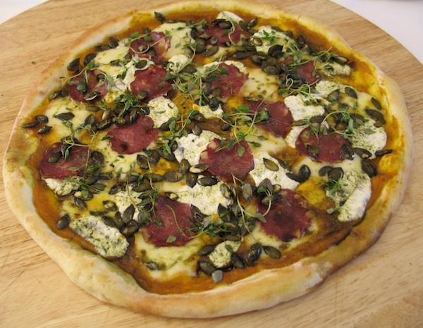 Pizzu su ispekli majstori restorana Garfield (Snimila Božica Brkan / Oblizeki)