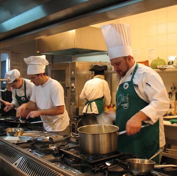 Chef Tomislav u vlastitoj kuhinji ponovno je skuhao pobjedu (Snimila Božica Brkan / Oblizeki)