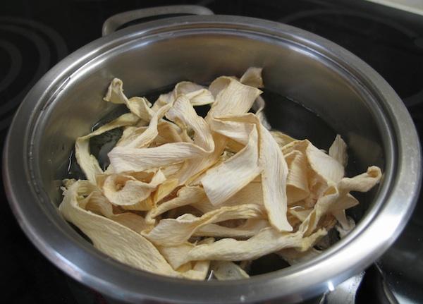 Kuhanje osušenih buča (Snimila Božica Brkan / Oblizeki)