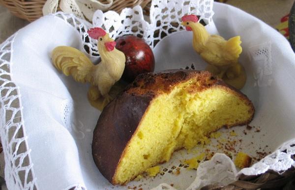 Prerezan, zagorski uskrsni kruh umnogome nalikuje dalmatinskoj pinci (Snimila Božica Brkan / Oblizeki)