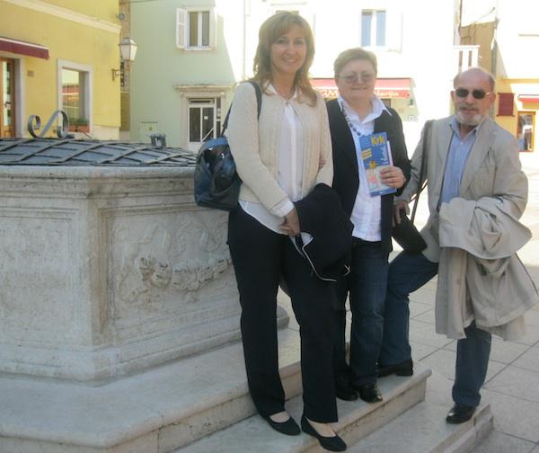 Nataša Jurina iz TZ grada Krka s ekipom Oblizeka, Božicom Brkan i Miljenkom Brezakom