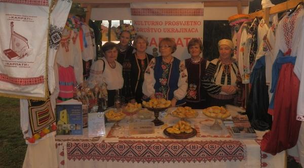Štand na Lipovljanskim susretima (Snimio Ivan Semenjuk/ KPD Karpati)