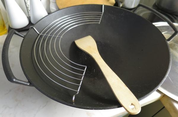 Ponuda woka poboljšavala se sa širenjem ponajprije kineske kuhinje najprije u restoranima, a zatim i u pripremi kod kuće (Snimila Božica Brkan / Oblizeki)