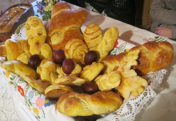 Fina blagdanska kakva se, uz naranču i jabuku, u kući Štefekovih obično daruju o blagdanima i rođendanima (Snimila Božica Brkan / Oblizeki)
