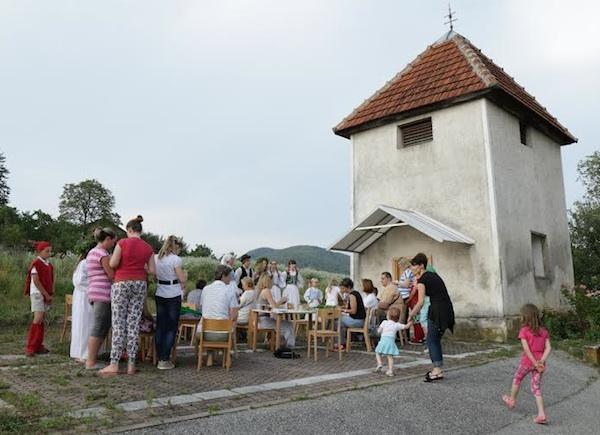 Oživljavanje baštine kraj staoga zvonika (Snimio Tibor Martan / Oblizeki)