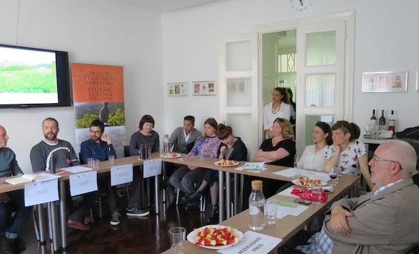 Sa zagrebačke konferencije za novinare (Fotografija Božica Brkan/ Oblizeki)