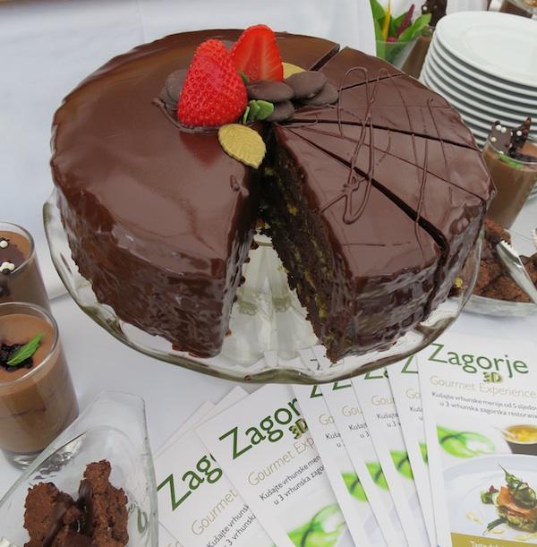 Samo izdaleka podsjeća na slavnu tortu nazvanu po slavnome bečkom hotelu (Fotografija Miljenko Brezak / Oblizeki)