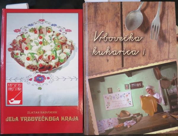 Naslovnice obiju vrbovečkih kuharica objavljenih u razmaku od dvadeset godina (Fotografija Božica Brkan / Oblizeki)