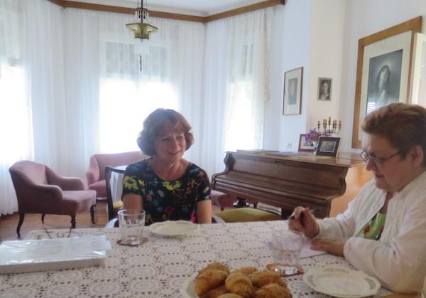 Razgovor za Oblizeke s pogledom na erker: Jasmina Reis i Božica Brkan (Fotografija Miljenko Brezak / Oblizeki)